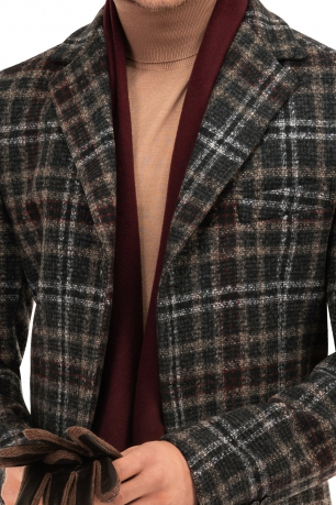 Palton gri in carouri