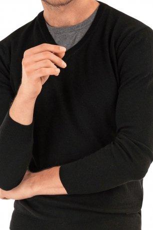Pulover slim negru in v