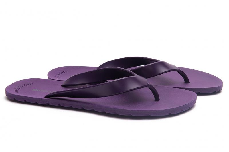 Papuci mov