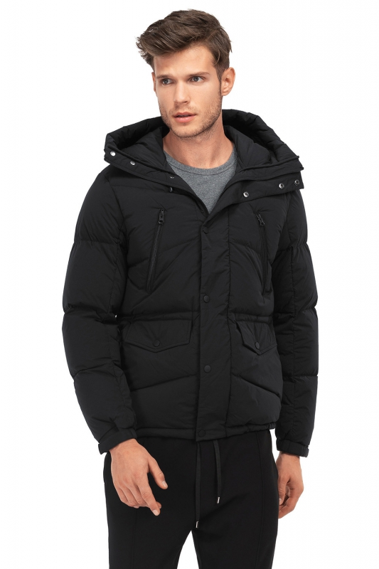 Jacheta  slim negra cu puf