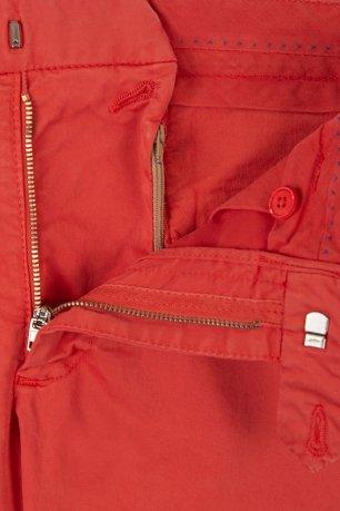Pantaloni rosii uni