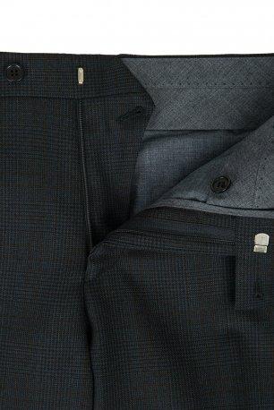 Pantaloni conti slim bleumarin in carouri